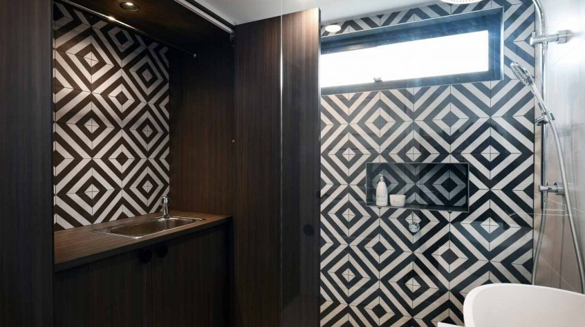 Bathroom vanity & laundry cabinet design & manufacture, luxury bathroom in Palm Beach
