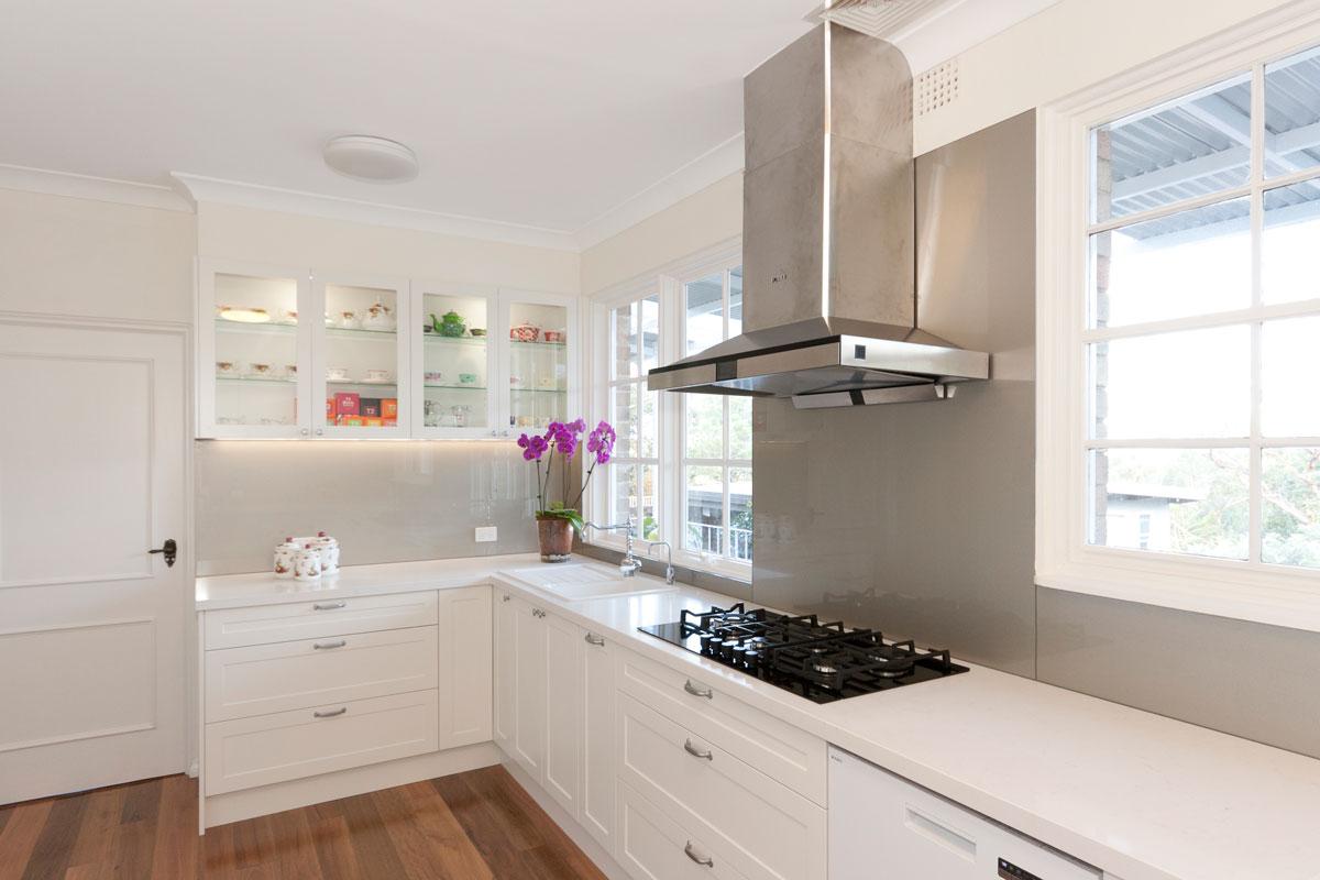 Vivid White Kitchen Cabinets