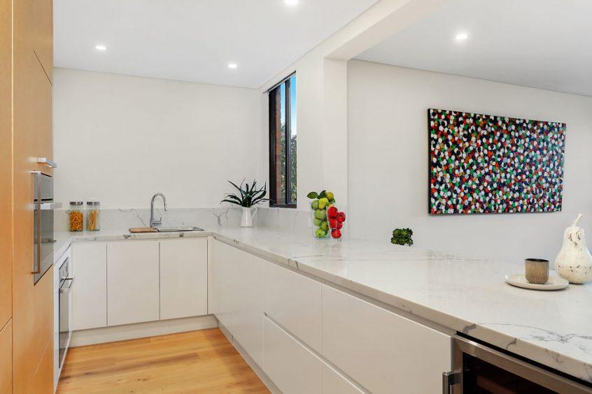 custom-kitchens-modern-kitchen-cabinet-design-quantum-quartz-carrara-laminex-veneer-2