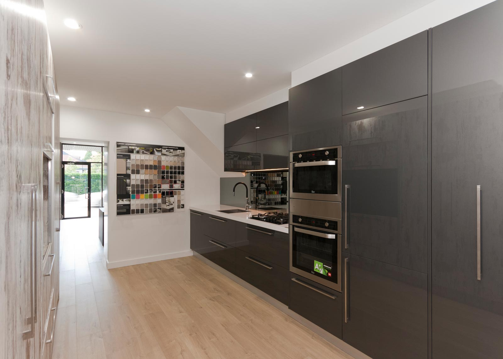 54 penshurst st willoughby kitchen design 3 premier for Kitchen design showroom